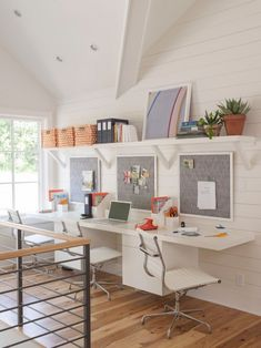 boston framed cork board home office transitional with white desk chairs contemporary bulletin boards and chalkboards kids storage Kids Study Spaces, Study Room Kids, Study Room Design, Study Rooms, Kids Rooms, Bureau Design, Home Design, Design Ideas, White Desk Chair