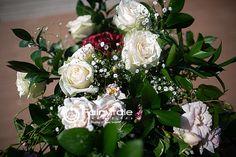 We always show you the beautiful flowers! Beach Weddings, Unique Weddings, Wedding Shot List, Bridal Party Getting Ready, Outdoor Wedding Inspiration, Wedding Trends, Beautiful Flowers, Fairy Tales, Floral Wreath