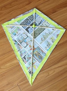 tape the edges of the kite - Diy Projects For Kids, Diy For Kids, Art Projects, Crafts For Kids, Diy Crafts, Homemade Kites, Kite Buggy, Kites Craft, Kites Diy