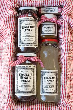 DIY Handmade Christmas Gift Basket: love the home-printed labels. Really brings the whole look together...