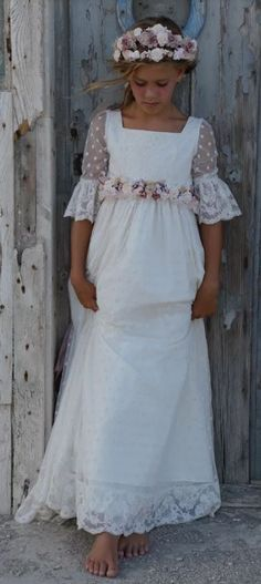 Vestido Florencia de Mon Air Girls First Communion Dresses, Holy Communion Dresses, Baptism Dress, Little Girl Dresses, Girls Dresses, Flower Girl Dresses, Première Communion, Fairy Dress, Wedding With Kids