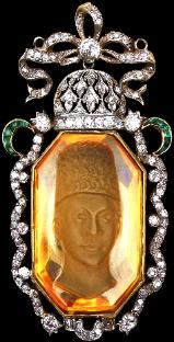 Large Carved Citrine Pendant of a Qajar Prince (possibly Ahmad Shah) set in Gold with Diamonds & Emeralds | Qajar Persia circa 1900