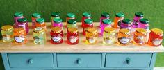 Miniaturas Miniature Food, Hot Sauce Bottles, Liquor Cabinet, Decor, Miniatures, Accessories, Houses, Tiny Food, Decoration
