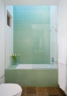 16 exempel på små badrum med plats för badkar | Sköna hem