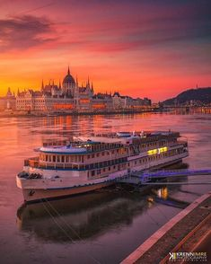 Golden hour in Budapest, Hungary 📷 Places To Travel, Travel Destinations, Places To Visit, Vacation Travel, Travel List, Budget Travel, Family Travel, Hungary Travel, Voyage Europe
