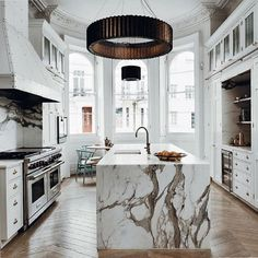 """109 Likes, 7 Comments - Marie Flanigan Interiors (@marieflaniganinteriors) on Instagram: """"Friday morning culinary vibes via @nordikspace ✨ #justaddsnow #TGIF"""""""