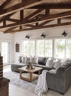 Top 5 Friday: How To Get The Modern Farmhouse Look. Five tips for creating a modern farmhouse style space in your own home. Top 5 Friday: How To Get The Modern Farmhouse Look. Five tips for creating a modern farmhouse style space in your own home. Home Living Room, Living Room Designs, Rustic Living Rooms, Living Area, Country Style Living Room, Living In The Country, Living Room With Windows, Living Room Decor Simple, White Living Rooms