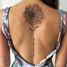 Sunflower Tattoo Artist: éo araújo Watercolor specialist tattoo Love the placement Spine Tattoos, Finger Tattoos, Body Art Tattoos, New Tattoos, Sleeve Tattoos, Sunflower Tattoo Sleeve, Sunflower Tattoos, Sunflower Tattoo Design, Watercolor Sunflower Tattoo