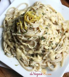 The Best Vegan Garlic Alfredo Sauce. Oil-free | The Vegan 8