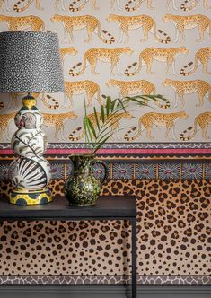 This striking leopard spot Zulu Border by Cole & Son forms part of the new Ardmore Collection. Inspired by the pedestal base of a ceramic base, Zulu Border has been created to be hung horizontally Cole And Son, Interior Inspiration, Design Inspiration, Estilo Tropical, Tropical Vibes, Keramik Design, Dado Rail, Bedroom Decor, Wall Decor