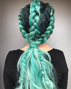 Braids + Fun Sexy Hair GlowGetter = this gorgeous braided style by 💚 Hair Dye Colors, Cool Hair Color, Pretty Hairstyles, Braided Hairstyles, Wig Styling, Coiffure Hair, Coloured Hair, Mermaid Hair, Crazy Hair