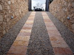 #quarzo #floor #pool #natural #garden #stone #pebbles #flooring #italian #madeinitaly #palosco #bergamo #artigianato #handicraft #landscape #exteriordesign #urbandesign #architecture #fountain #collection #material #designstyle #covering #detail #designdays #floor #rampe #garage
