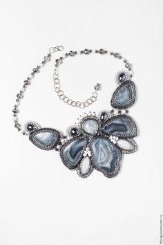 """Купить Колье-кулон """"Орхидея"""" - серебряный, тиманский агат, лунный камень, лучший подарок"""