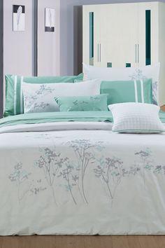 Lovin' the turquoise!  Aspen Cotton Bedding Set - White/Turquoise on HauteLook