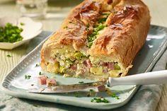 Spargel-Blätterteig Pastete Tapas, Spanakopita, Fresh Rolls, Hot Dog Buns, Food And Drink, Bread, Ethnic Recipes, Snacks, Finger Food