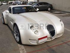 model-of-the-luxury-car-bentley-on-the-dubai-street on-december.