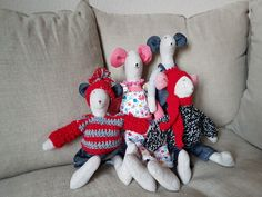 Muñecos Dinosaur Stuffed Animal, Snoopy, Toys, Fictional Characters, Animals, Art, Fabric Dolls, Projects, Animales