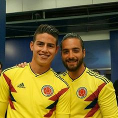 James Rodriguez, Football Love, Adidas Football, Maluma Pretty Boy, Santiago Bernabeu, Papi, Chris Hemsworth, Man Crush, Pretty Boys