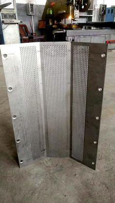 perforated screen for hammer mill screen South America, JRD Hardware Wire Mesh Co.,Ltd, Email: yang@steelmeshfilter.com , WhatsApp: +86-15810890561
