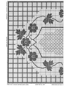 Lovelace Bedspread Pattern chart, freevintagecrochet.com,  Can be the center of a bedspread or this center piece used for a dining table runner.