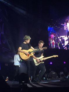 Niall // Dubai // 04.04.15