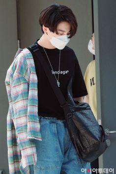 Jung So Min, Foto Bts, Bts Jungkook, Admirateur Secret, Bts Airport, Estilo Indie, Jeon Jeongguk, About Bts, Bts Pictures