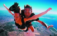 Garden Route Skydiving - Tandem skydiving doesn't get better than this. Enjoy 20 minutes of scenic flight over the bay and coast, then feel the rush of jumping (from a perfectly good airplane) from 10 000 ft above the at. Safari, Las Vegas, Surf, Fun Days Out, Adventure Holiday, Bungee Jumping, Adventure Activities, Paragliding, Good Dates