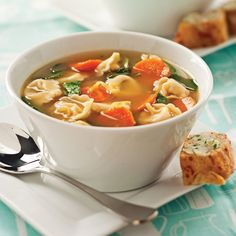 Tortellinis soup (recipe in french) Italian Soup Recipes, Wine Recipes, Kitchen Grill, Seitan, Soups And Stews, Thai Red Curry, Food And Drink, Lunch, Healthy Recipes