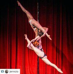 Doubles pole dance competition