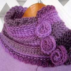 Florealis Neckwarmer By Sue Perez - Free Crochet Pattern - (ravelry) Crochet Scarves, Crochet Shawl, Crochet Clothes, Knit Crochet, Crochet Stitches, Double Crochet, Single Crochet, Easy Crochet, Free Crochet