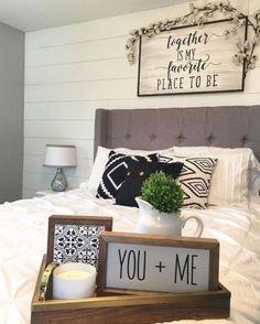 Comfy Farmhouse Master Bedroom Remodel Ideas (30)