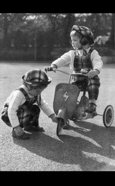 Fotos antiguas de bicicletas: Ingrid e Isabella Rossellini