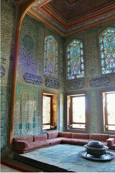 Topkapi Palace, Istambul, Turkey. I had a photo of this exact same room... don't know where :(