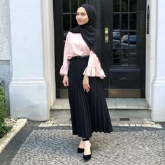 Trendy Ideas for style hijab turkey Modest Fashion Hijab, Modern Hijab Fashion, Hijab Casual, Hijab Fashion Inspiration, Hijab Chic, Muslim Fashion, Skirt Fashion, Fashion Outfits, Fashion Styles