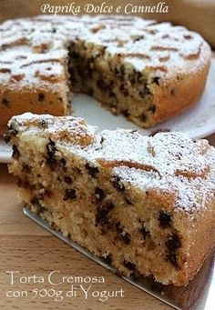 The Creamy Cake with 500 g of yoghurt is a dessert with a moist consistency and a soft and delicate taste, although it lacks butter … by Sweet Recipes, Cake Recipes, Dessert Recipes, Italian Desserts, Just Desserts, Torte Cake, Yogurt Cake, Healthy Cake, Breakfast Cake