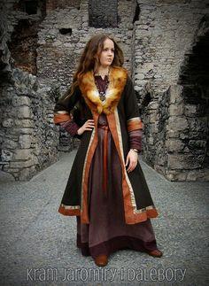Début manteau médiéval pour femme, slaves, viking, reconstitution