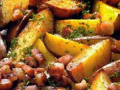 Recept: Pečené brambory s bylinkami a anglickou slaninou   Tradičnírecepty.cz Potatoes, Vegetables, Food, Potato, Essen, Vegetable Recipes, Meals, Yemek, Veggies