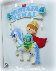 keçe prensli bebek odası kapı süsü keçe at