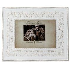 Amazon.com - Lawrence Frames Garden Gate Floral Vine with Rope Border 5 by 7-Inch Metal Picture Frame, Rustica White - Single Frames