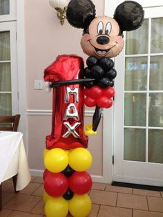 Birthday Mickey Mouse balloon column and sculpture Mickey Mouse Clubhouse Birthday Party, Mickey Birthday, Mickey Party, Mickey Mouse Balloons, Disney Balloons, Birthday Balloon Decorations, Birthday Balloons, Baby Shower Balloons, Sculpture