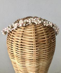 Tocado novia pistilos Lelén #tocado #tiara #peineta #tocadonovia #tocadoslelen #noviaslelen #novia #bride #bridalheadpieces #boda #wedding