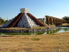 Fotos de Ciudad Juárez, Chihuahua, México: Pirámide y acueducto monumental