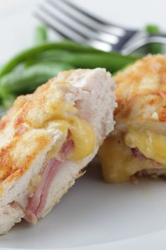 Crock Pot Stuffed Chicken Rolls Recipe with Ham and Cheese - not too bad, but I much prefer my cordon bleu recipe so likely won't make these again. Recipes With Ham And Cheese, Rolled Chicken Recipes, Ham Recipes, Cooking Recipes, Dinner Recipes, Crockpot Dishes, Crock Pot Slow Cooker, Crock Pot Cooking, Slow Cooker Recipes