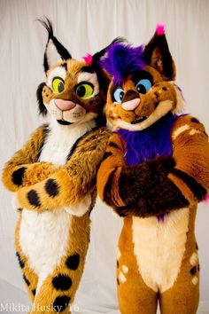 RT @SmellyStrobes: Cool Cat Coterie  @toastedlynx