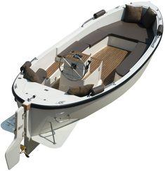 ariadne® 780 motorsloep but the prop is more covered. Aluminum Fishing Boats, Small Fishing Boats, Aluminum Boat, Small Boats, Yacht Design, Boat Design, Dinghy Boat, Sailboat Interior, Cruiser Boat