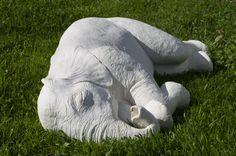 Ελέφαντας / Elephant 2013 80 x 25 x 60 cm, συνθετικός γύψος / synthetic plaster