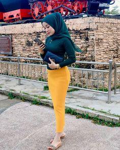 Hijab Fashion, Women's Fashion, Myanmar Women, Girl Hijab, My Girl, Sexy, Girls, Instagram