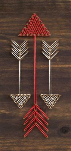 The best DIY projects & DIY ideas and tutorials: sewing, paper craft, DIY. Diy Crafts Ideas Mini Arrows String Art Sign by on Etsy -Read Wood Crafts, Fun Crafts, Arts And Crafts, Arte Linear, Cuadros Diy, Nail String Art, String Art Heart, String Art Patterns, Wall Ornaments