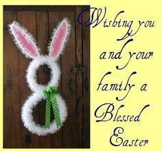 Cute bunny wreath decor!