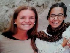 """A inicios de este año, dos turistas argentinas decidieron tomar unas vacaciones en Ecuador, pero nunca pudieron regresar a casa debido a que fueron asesinadas. El caso conmocionó al mundo pues visibiliza la violencia hacia las mujeres que viajan """"solas"""".Marina Menegazzo y María José Coni, chicas de 21 y 22 años, fueron revictimizadas en Internet después de su muerte pues se les acusó de viajar sin un hombre que las protegiera y de ser demasiado jóvenes, aunque ambas eran adultas."""